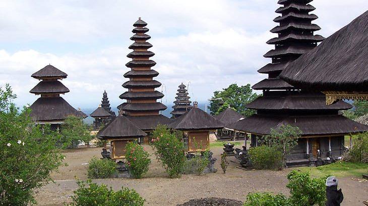 Gelang Agung Temple contains Thirteenth Century Antiquities-min